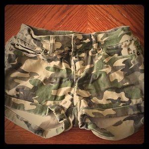 Pants - Camouflage Shorts